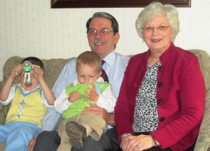 Professor Steve, his wife, Marie and 2 grandkids who care nothing about this picture taking!