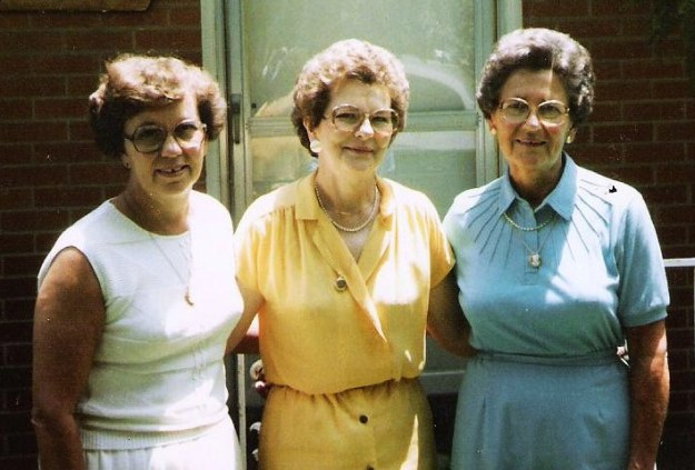 Three Stephens sisters: Martha Ann, Martin, Mayme